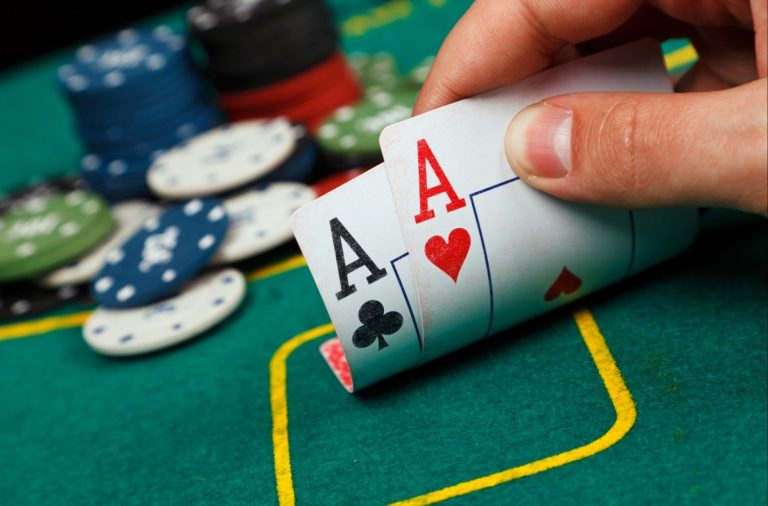 Dealing of cards and Betting Rounds at idnoker site with ultimate game guide