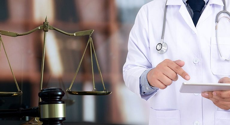 Why expert witnesses are essential in a surgical malpractice case?